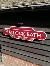 Matlock Baño Totem Letrero Esmaltado Carril Británico Tren Completo Brida Centro