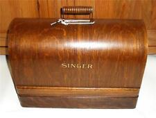 Splendido vintage SINGER 99k Manovella macchina da cucire con custodia legno curvato.