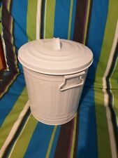 Marks & Spencer Lidded Waste paper Bin  White/ Cream. Excellent condition.