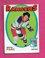 1971-72 OPC # 40 RANGERS BRAD PARK EX+  CARD (INV# C8396)