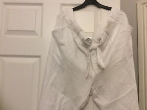 Marks &  Spencers Ladies Per Una Cotton White Trousers Size 24 BNWTS