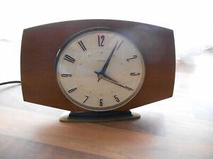 VINTAGE RETRO MID CENTURY 1960s-70s METAMEC  ELECTRIC MANTLE CLOCK WORKING