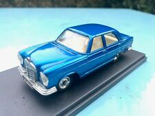 """Mercedes-Benz 250 SE - Dinky Toys Meccano """"Stop lights"""" Reference 160"""