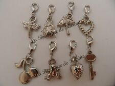LOT DE 8 CHARMS BRELOQUE CCB A FERMOIR METAL ARGENTE - BRACELET BIJOUX