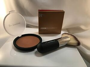 it Cosmetics Sunshine in a Compact Anti-aging Matte Bronzer w/ #9 Lux Fan Brush