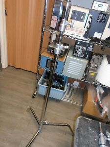 MATTHEWS STUDIO HOLLYWOOD DOUBLE RISER STAND TELESCOPING WITH LEGS