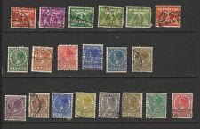 Pays-Bas 1924/27 20 timbres oblitérés  /T2592