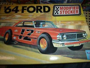 AMT 21858P 1964 FORD GALAXIE MODIFIED STOCKER MODEL KING 1/25 McM  Fs kit