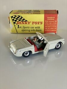 Dinky Toys 113 MGB Sports Car Cream Red Int 1/43 Original Box Great Condition