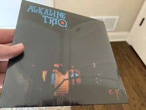 """Alkaline Trio 7"""" EP Vinyl - Blue - Minds Like Mindfields - Brand New and Sealed"""