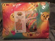 Emoji Pals Rainbow Queen 7-piece Bed in a Bag Set NEW