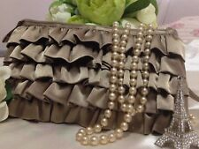 Simply stunning Ladies Makeup Bag! Lovely as new condition in bronze colour!