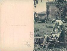 FOTO DI FIDANZATI SU SDRAIO IN TENUTA DI CAMPAGNA -  (rif.fg.11893)