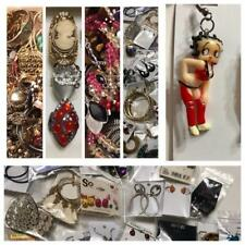 Wholesale 25 Pieces of Jewelry