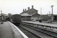 rp14454 - Newport Railway Station , Isle of Wight - photo 6x4