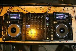 2x Pioneer CDJ-2000 Nexus & DJM 900-Nexus Mixer