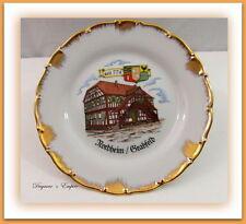 Zeitgenössische Sammel- & Zierteller aus Porzellan mit Teller