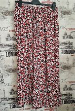 RED HERRING BLACK & COLOURFUL FLORAL KNEE LENGTH PALAZZO SHORTS - SIZE 8