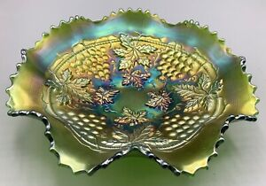 """CARNIVAL GLORIOUS GREEN NORTHWOOD  GRAPE AND CABLE RUFFLED BOWL """"BASKETWEAVE"""""""