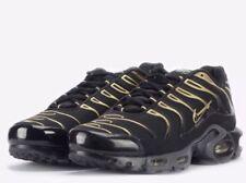 NWT Nike Air Max Plus Mens Running Shoes-Black & Gold - 852630-004 - M-8.5; W-10