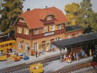 Faller H0 Bahnhof Königsbach Mariazell - Farbvariante von Pola 653 Bausatz NEU