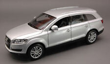 Audi Q7 2006 Silver 1:24 Model 2481S WELLY