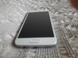 Samsung Galaxy S7 SM-G930fd - 32GB -  Platinum (Unlocked)