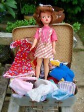 VINTAGE PEDIGREE SINDY DOLL WITH DOLLS CASE OF ASSORTED CLOTHES