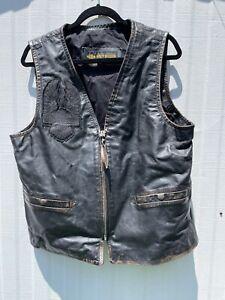 mens harley davidson leather vest large. Factory applied American flag on back.