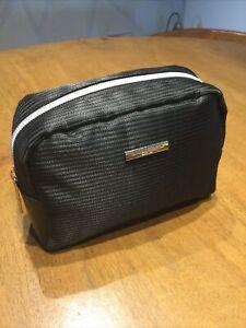 Qatar Airways GIORGIO ARMANI Amenity Bag in black