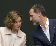 King Felipe VI & Queen Letizia of Spain UNSIGNED photograph - M5005 - NEW IMAGE