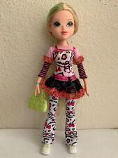 Bratz Moxie Girlz Girl Doll Avery Blonde Hair Blue Eyes Clothes Purse & Shoes