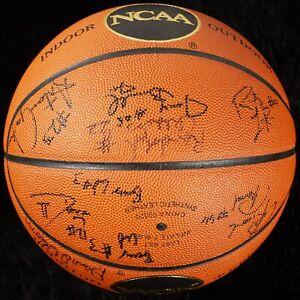 Tim Duncan Pre Rookie 1994-95 Wake Forest Team Signed Basketball Beckett COA