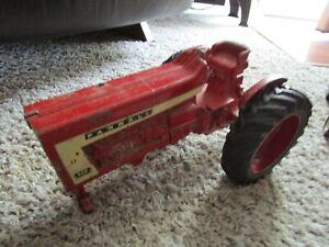 JI Case IH Farmall McCormick Farm Toy Tractor 806 Round Fenders Diecast Rims