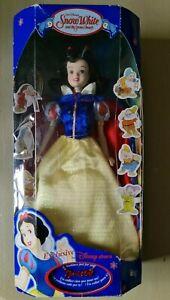 RARE!Vintage Disney Store Exclusive Snowwhite & the 7 dwarfs SNOW WHITE doll NEW
