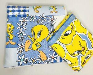 Vintage 1997 Looney Tunes Warner Bros Tweety Bird Blanket Blue & Yellow Set of 2