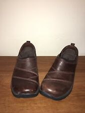 LL Bean Brown Leather Slip on Loafers Casual Comfort Shoes Womens Size 7.5M