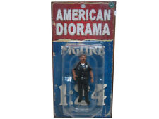 POLICE OFFICER HARRY FIGURE 1:24 SCALE DIECAST MODEL CARS AMERICAN DIORAMA 23838