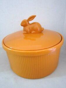 Martha Stewart Orange Casserole Easter Dish w/ Bunny Rabbit Handle Lid 3.28 Qt