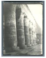 Egypte, Temple de Médinet Habou  Vintage silver print. Tirage argentique  6,