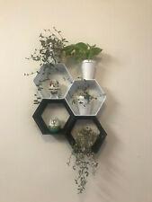 Hexagon Shelf - 4 pc (2 White 2 Black) mixed