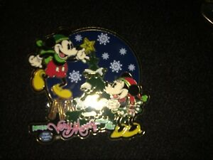 Disney Pin 26877 Very Merry Christmas Party Mickey Minnie Mouse 2003 Le 2500