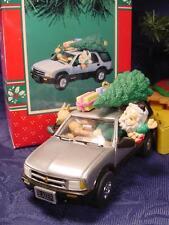NEW ENESCO CHRISTMAS ORNAMENT SANTA DRIVES Puppy Presents in 1996 CHEVY BLAZER