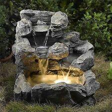 Каскадный водный фонтан