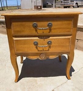 EXCELLENT CONDITION ETHAN ALLEN Country French Nightstand!! 26-5216 #246