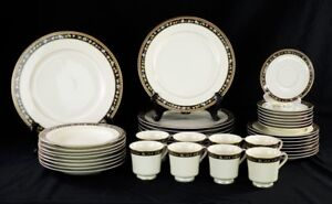 Set of Mikasa Georgian Mansion China Dinnerware Service for 8 Dinner Plate Bowl