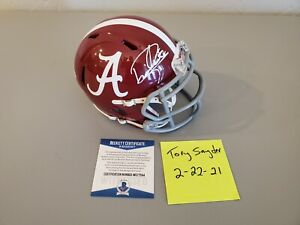 Derrick Henry Signed Alabama Crimson Tide Speed Mini-Helmet. Beckett COA