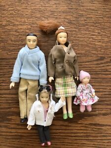Melissa & Doug Victorian Doll Family of 4 Dollhouse Accessories