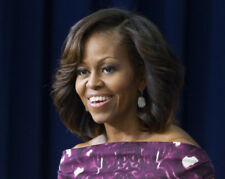 Michelle Obama UNSIGNED photo - M7841 - First Lady of America from 2009 to 2017