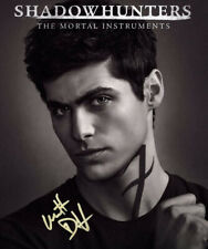 * MATTHEW DADDARIO SIGNED PHOTO 8X10 RP AUTOGRAPHED SHADOWHUNTERS HOT !